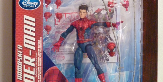 marvel-select-spiderman-unmasked